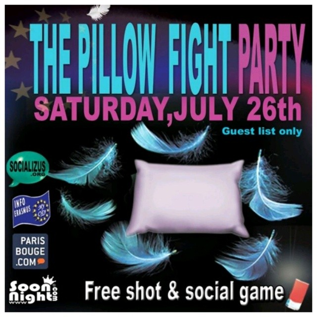 PILLOW FIGHT PARTY ★ PRIVATE HOTEL PARTY